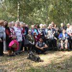 Uczestnicy spotkania integracyjnego Alpaki na Sosnowych Wzgorzach