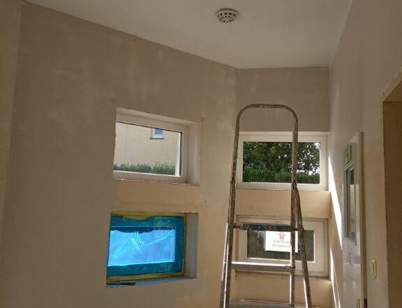 Zdjecie nr3 Sciany korytarz przy wejsciu