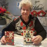 Seniorka p. Jadzia ze świątacznymi kartkami