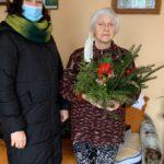 Seniorka p.Basia ze świątecznym stroikiem