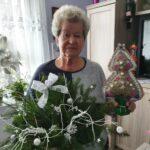 Seniorka p.Jadzia ze świątecznymi ozdobami