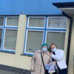 Pani Janeczka Sosnowska z Panią Grażyną Ziębą Dyrektor Hospicjum