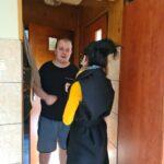 pracownik odwiedza uczestnika i zachęca do udziału w konkursie