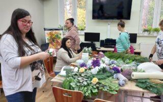 """Warsztaty florystyczne """"Jesienne melancholie w dekoracjach grobów"""" 3"""